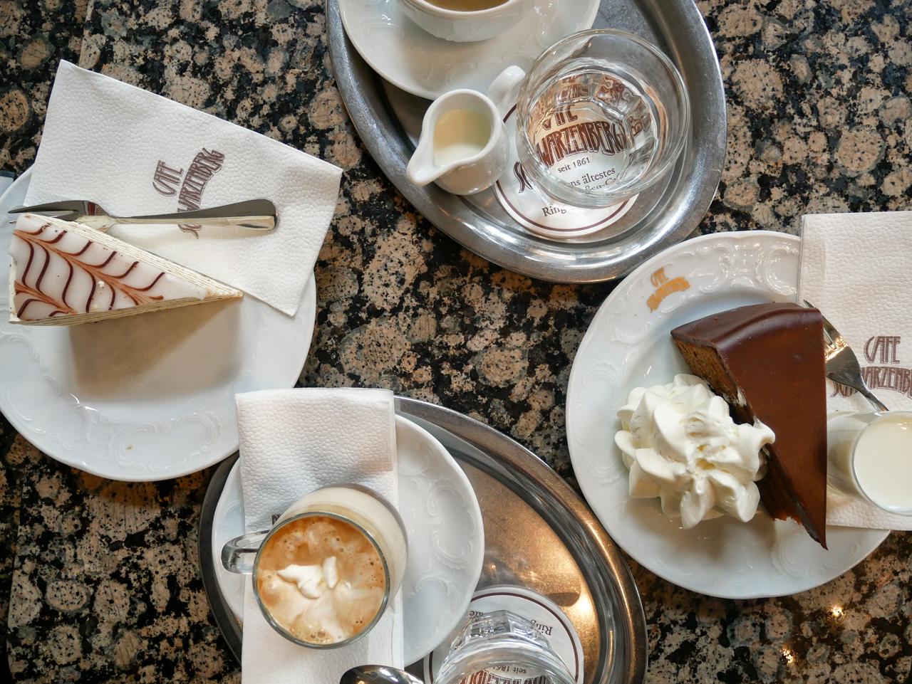 Sachertorte au café Schwarzenberg: incontournable lors d'un citytrip à Vienne !