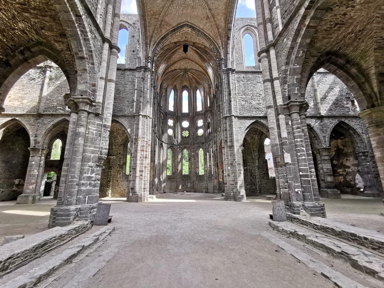 l'Abbaye de Villers et le vignoble de Villers-la-Vigne